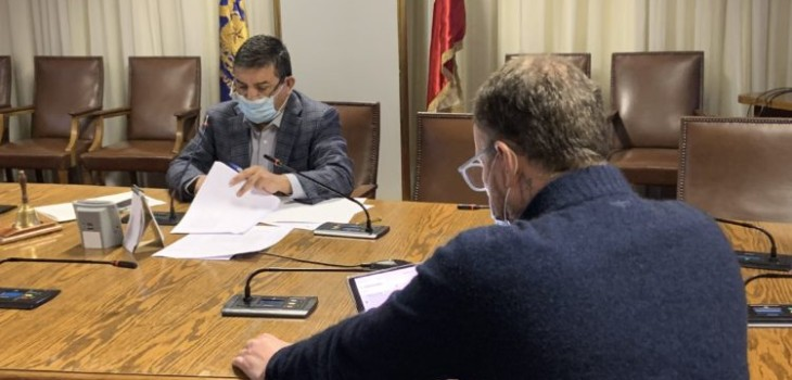 Comisión de Economía rechaza veto presidencial a proyecto que suspende corte de servicios básicos