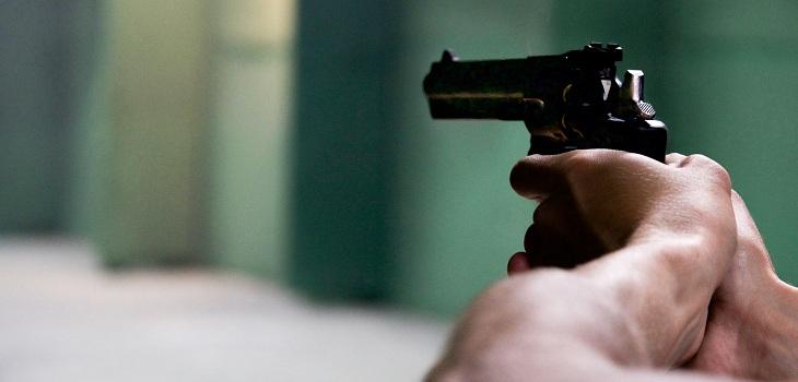 Hombre exige con disparos el distanciamiento social en un hotel de Florida