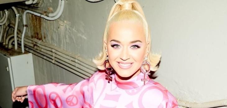 Ad portas de dar a luz: Katy Perry mostró su avanzado embarazo con fotografía usando crop top
