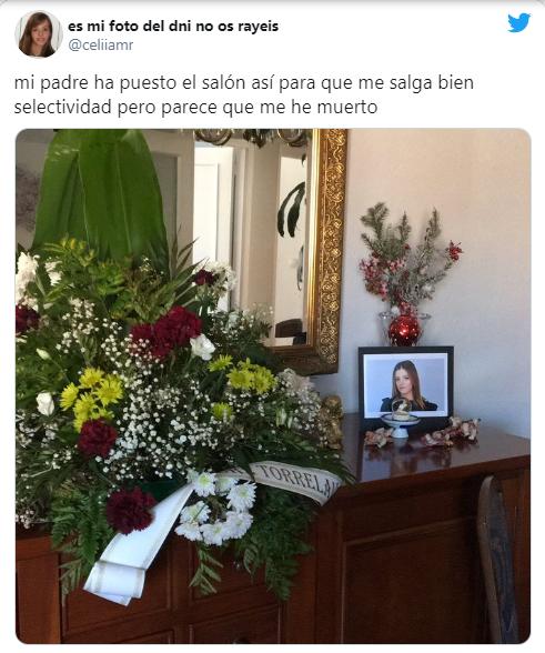 Padre armó altar para desearle éxito a su hija