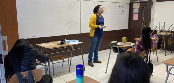 Estudiantes de Rapa Nui vuelven a clases tras 100 días sin contagios de COVID-19 en la isla