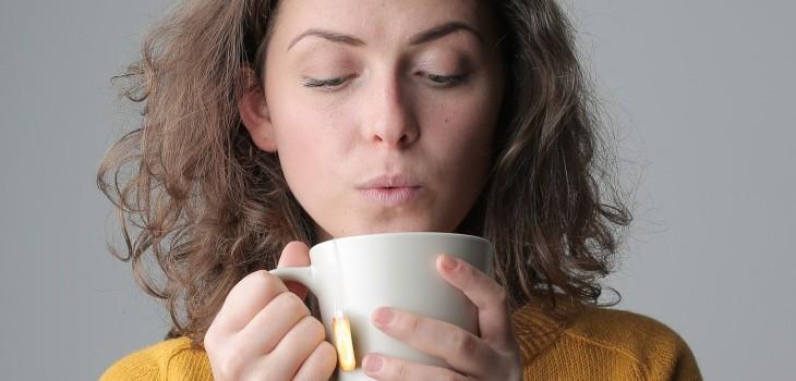cuánto té o café puedo tomar en un día
