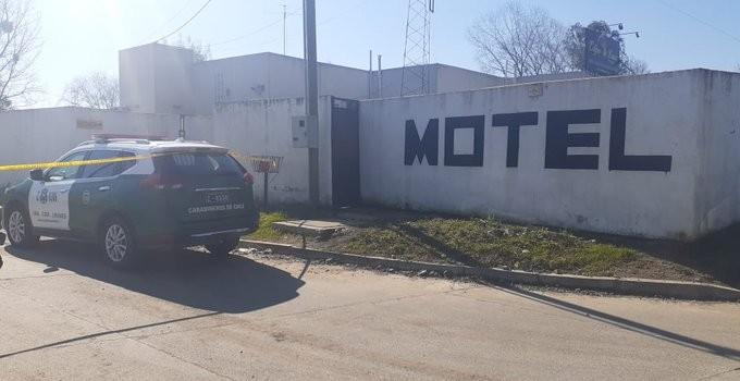 carabinera hallada muerta en motel de Linares