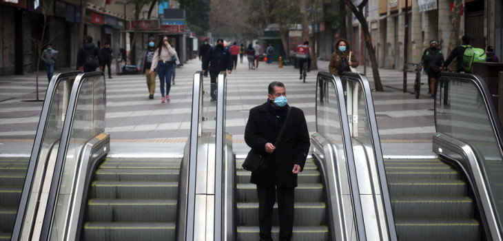 Gobierno posterga decisión y mantiene cuarentena en Santiago y Providencia