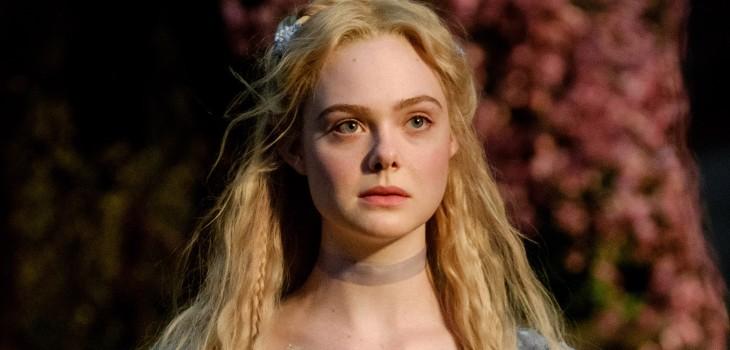 Elle Fanning publicó fotografías sin maquillaje y mostrando los efectos del eccema en su rostro