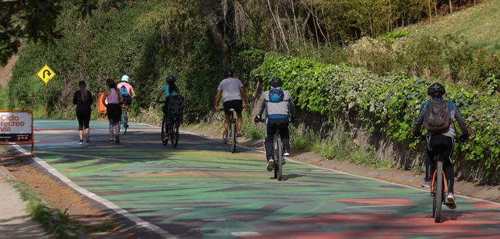Parque metropolitano permite nuevamente el acceso a ciclistas al interior del recinto como parte del desconfinamiento de 97% de la región metropolitana