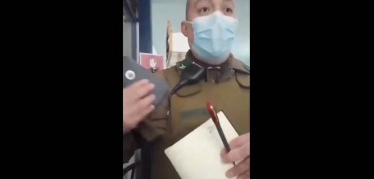 Carabinero increpa a personal de Salud en San Miguel