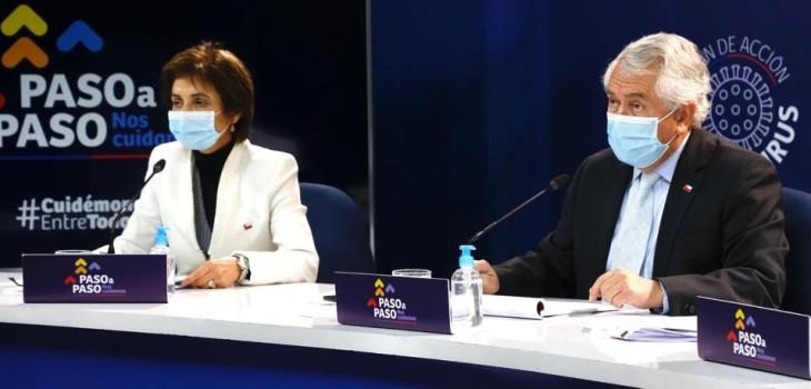 Ministro Paris se tomó con humor portada de The Clinic: Nos muestra con un estado físico insuperable