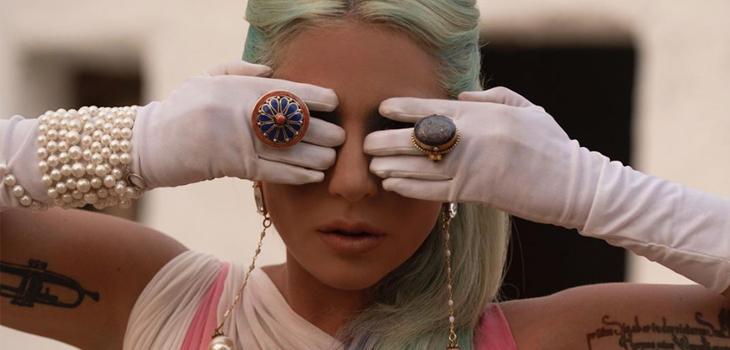 Lady Gaga se refiere a problemas de salud mental