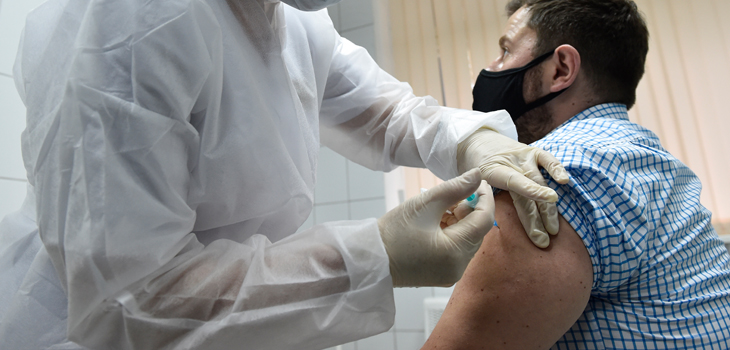 Oxford reauna ensayos de vacuna contra el covid-19