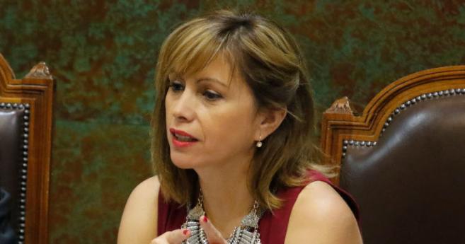 Denuncian que diputada Carvajal evadió control sanitario