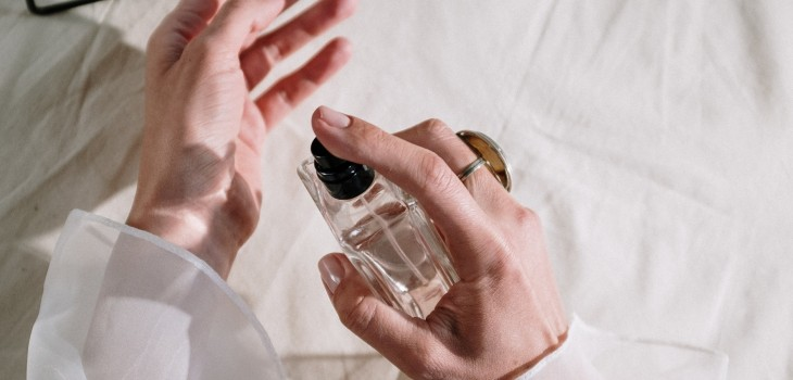 5 tips para identificar si un perfume es verdadero o falso, según expertos