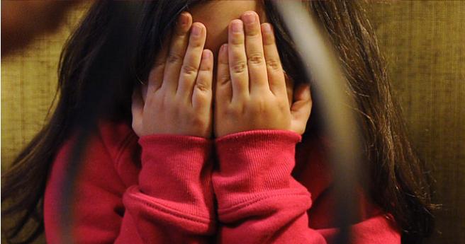 Hombre es condenado a 15 años por violar a su hija mientras esposa estaba hospitalizada por cáncer