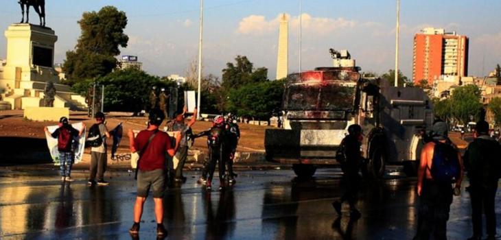 Detenidos tras incidentes en plaza Baquedano