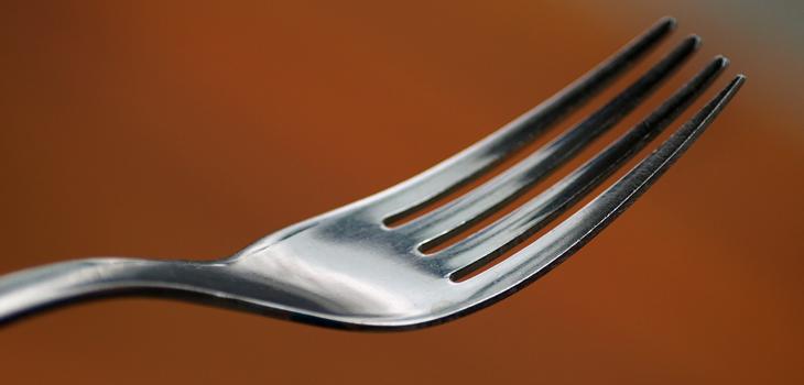 truco del tenedor para arreglar cierres