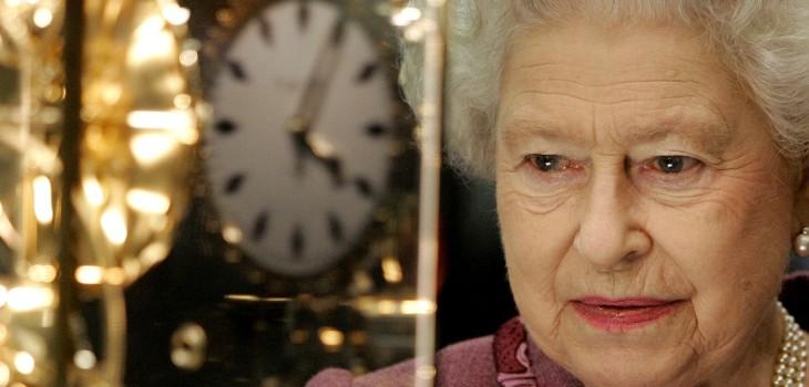 La razón por la que relojes de Buckingham y Windsor están adelantados cinco minutos en esta área