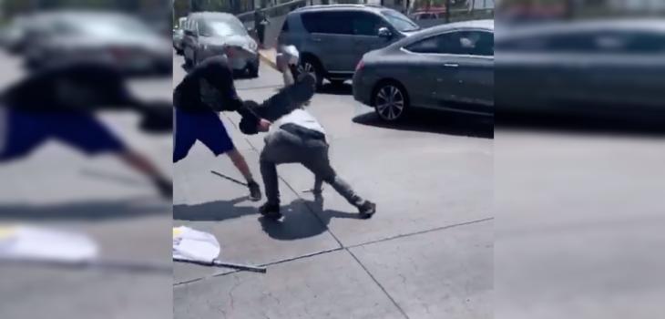Concejal de Las Condes denuncia agresión de skater contra joven que hacía campaña por el 'Rechazo'