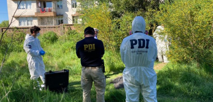 Encuentran el cadáver de una mujer en sitio eriazo de Valdivia