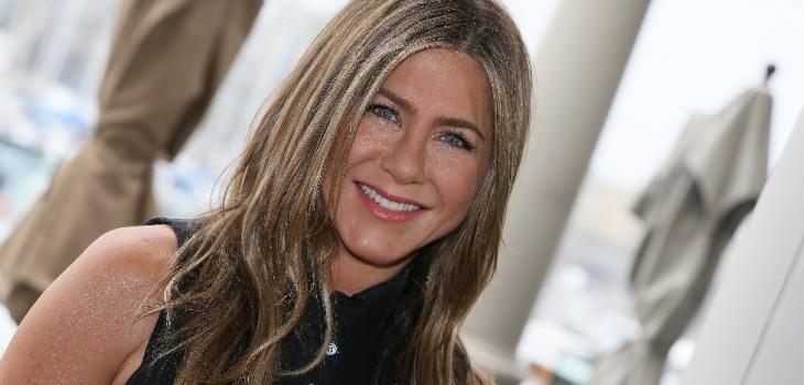 Jennifer Aniston es fan de este masaje facial y es más económico de lo que crees: experta lo detalló