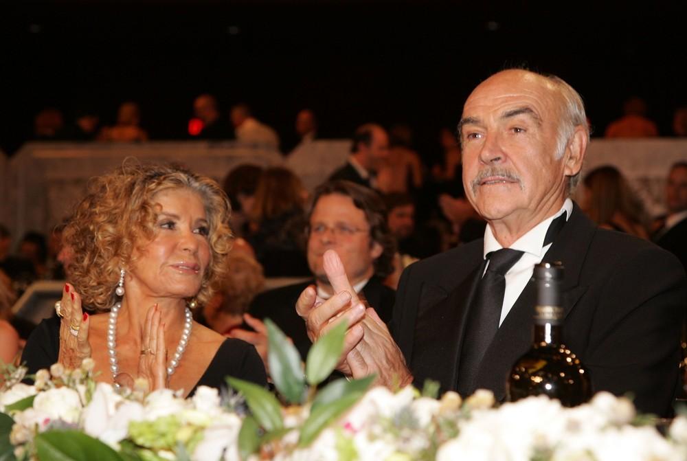 Sir Sean Connery y Micheline Roquebrune | Agence AFP