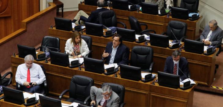 Senadores oficialistas valoran apertura del Gobierno a modificar su proyecto de retiro del 10%