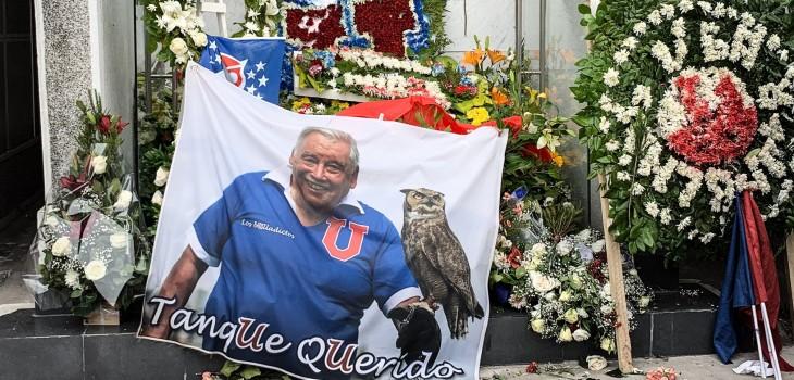 con muestras de cariño y respeto se realizó el funeral de Carlos Campos