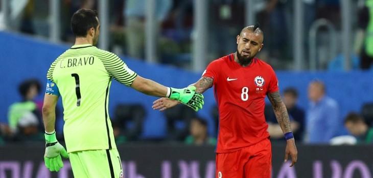 el gesto de Vidal con Bravo que ilusionó a los hinchas de la 'Roja'
