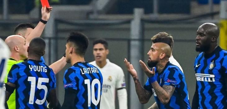 Arturo Vidal se disculpó con sus compañeros del Inter tras expulsión pero no se salvaría de sanción