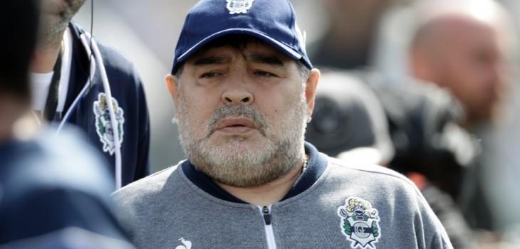aseguran que Maradona sufrió golpe en la cabeza días antes de morir