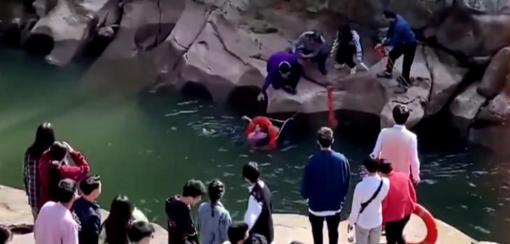 diplomático salvó a estudiante que cayó a río
