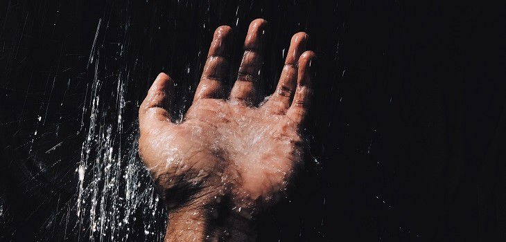 ducha caliente