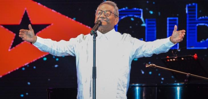 Compositor mexicano Armando Manzanero hospitalizado por COVID-19