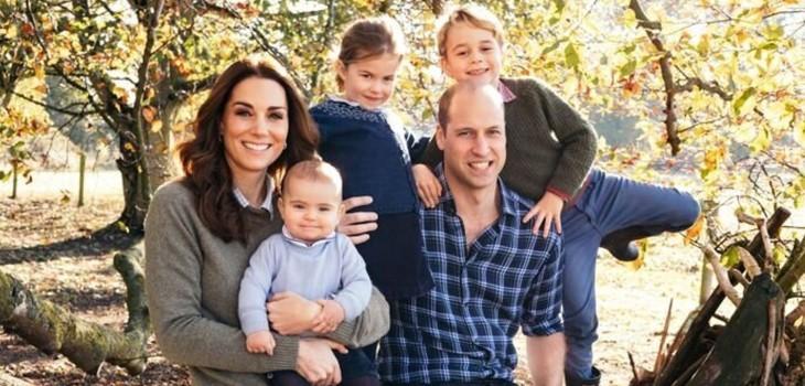 William y Kate publicaron nueva postal familiar navideña: príncipe Louis se robó la atención