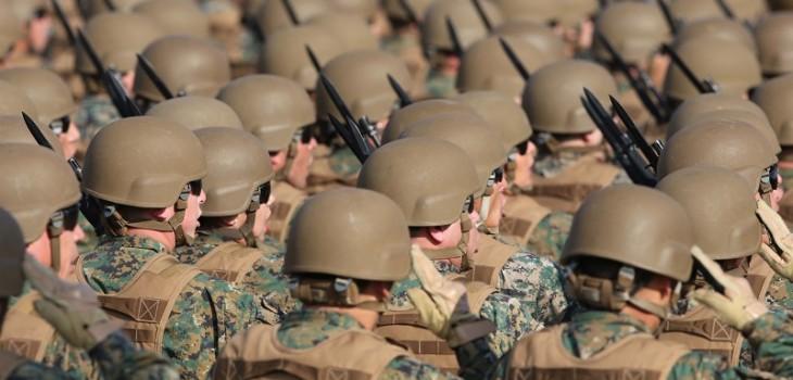 Ejército admite por primera vez en sus filas a un hombre trans