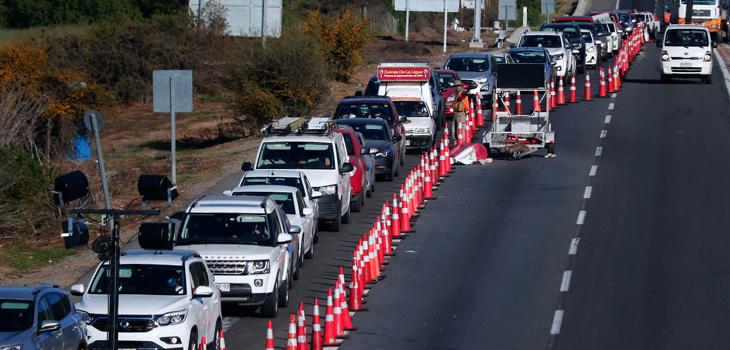 Salida de vehículos de Santiago por fin de semana largo