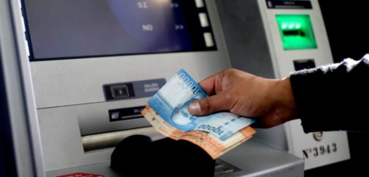cajeros automáticos y dinero en efectivo
