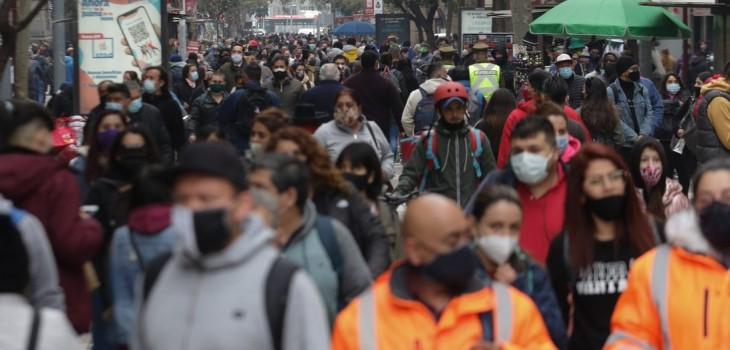 Gobierno retrocede a toda la región Metropolitana a fase 2 ante aumento de contagios de COVID-19
