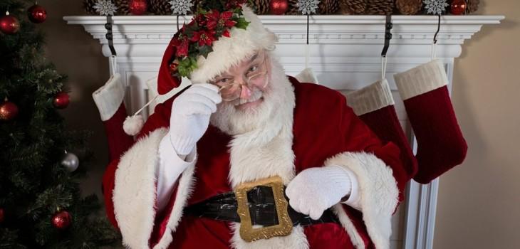 ¿Cuánto tardaría 'Santa' en entregar los regalos en auto?