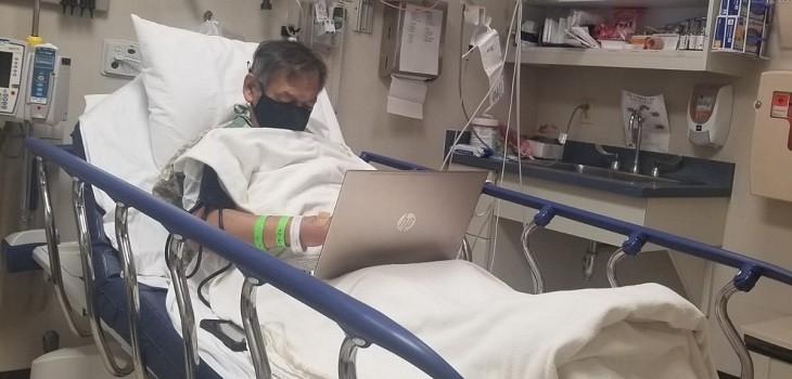 profesor hospital computador