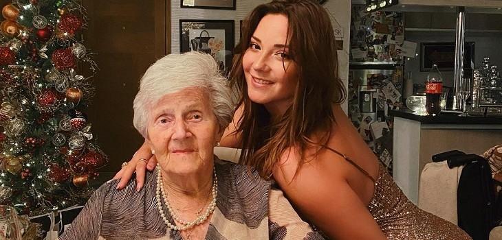 Kel Calderón con su abuela