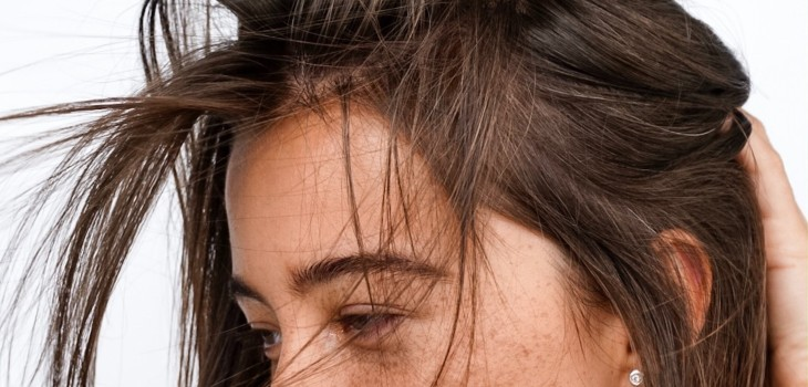 Lavado, productos y exfoliación: las claves para que el cabello graso no se ensucie tan rápido