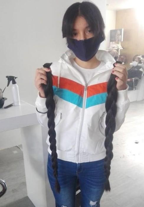 Ana Paola Romero, joven mexicana vendió su pelo para ayudar a abuelo con COVID