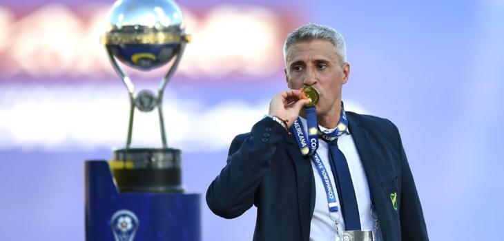 Presidente del club reveló que la ANFP se contactó con Hernán Crespo
