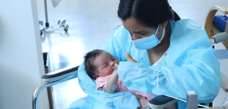 Toda una travesía: la historia de Ema, la primer bebé de 2021 nacida en Hospital de Concepción