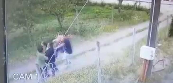 Video muestra golpiza a vecino, quien asegura fue por denunciar a veraneantes acampando y de fiesta