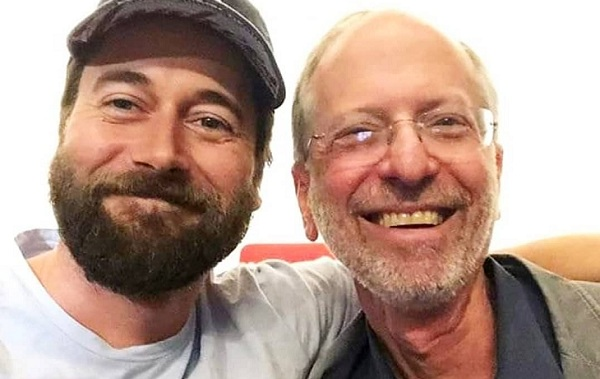 Ryan Eggold y Eric Manheimer