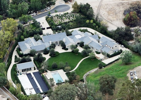 mansion hidden hills kim kardashian