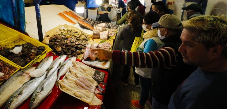 VALPARAISO: Gran cantidad de personas visita Caleta Portales por Semana Santa. 10/04/2020