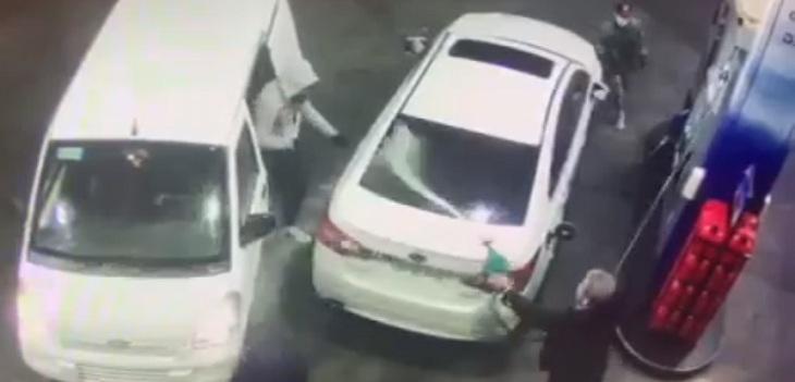 encerrona asaltantes bencina
