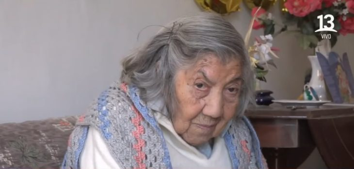 Isolina mujer de 100 años